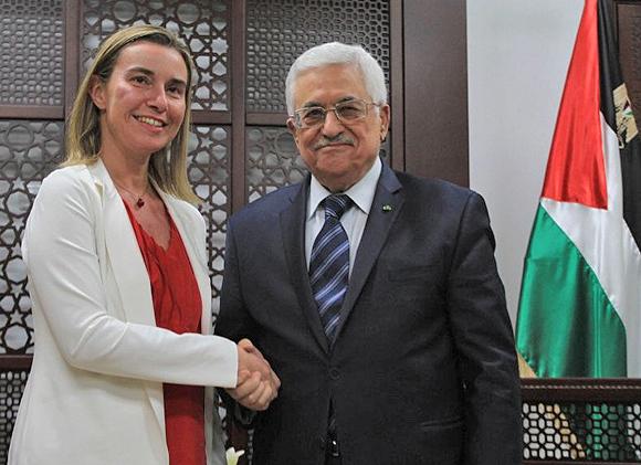 Mahmud Abbas und die neue Außenbeauftragte der Europäischen Union, Federica Mogherini. Ramallah, 8. November 2014.